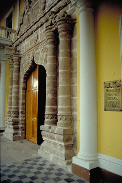 acerca-de_historia-de-la-fundacion-casa-de-los-tres-mundos_casa-portal