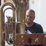 Ricardo con tuba