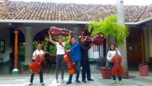 Cesar lifting cello