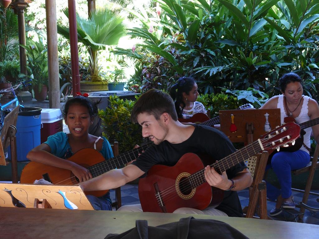 escuela-de-musica_213-1