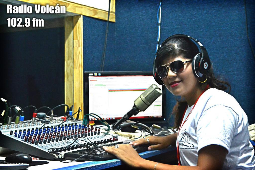 radio-volcan_124894694492008919331127924119442643694550o