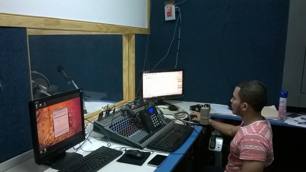 radio-volcan_wp20150930010